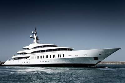 benetti-delivers-108m-gigayacht-fb275