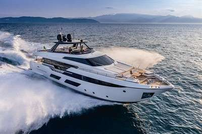 destinasia-ferretti-yachts-920-tai-he-ban