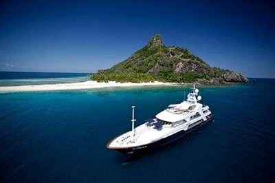 fabulous-fiji-by-superyacht