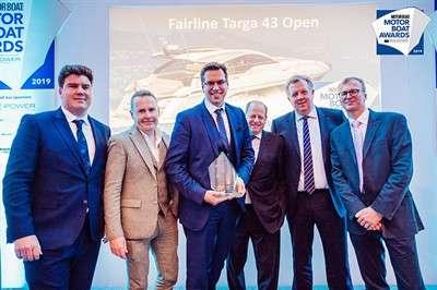 fairline-targa-43-open-wins-at-motor-boat-award_1