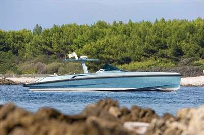 ferretti-group-signs-exclusive-license-agreement-with-wally_2