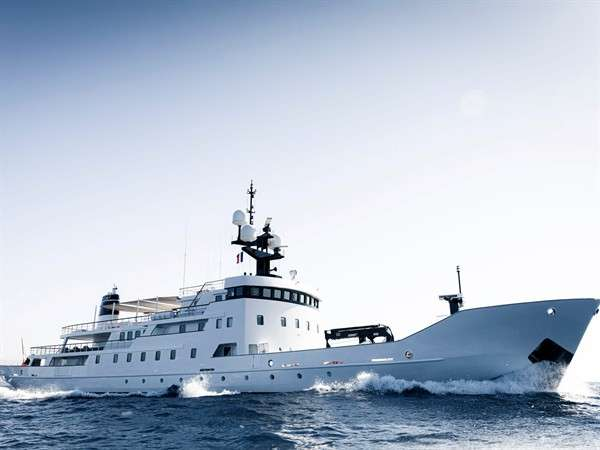 inside-olivia-the-russian-navy-ship-converted-into-a-us27m-superyacht_6