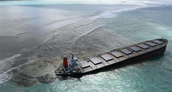 mauritius-oil-spill-crew-search-for-wifi-during-birthday-party-lead-to-wakashio-grounding