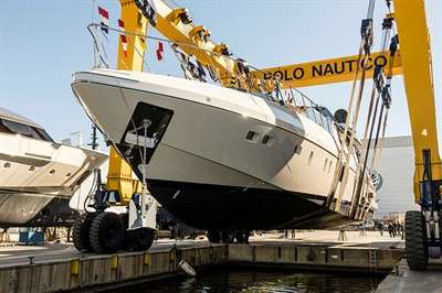 new-mangusta-maxi-open-100-is-launched_6