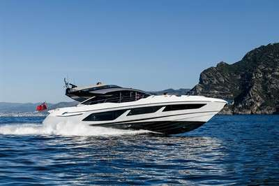 pace-meets-stylish-space-sunseeker-74-sport-yacht_2