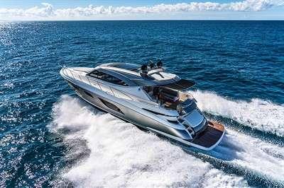 riviera-premieres-world-class-models-in-sydney_16