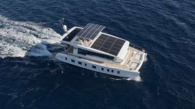 silent-yachts-introduces-worlds-first-ocean-going-solar-electric-catamaran_19