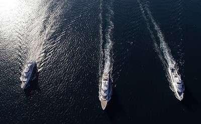 three-exclusive-benetti-mega-yachts-parade-through-livorno-italy_1_1