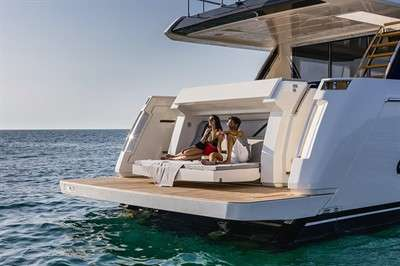 zoom-with-a-view-ferretti-yachts-780